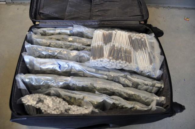 suitcasecannaoil