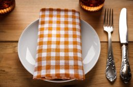 Restaurant table plate napkin
