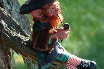 A-Leprechaun-Smoking-A-Pipe